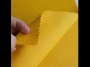Material textil 100% din material poliester, fabricat din material textil de oxford din PVC
